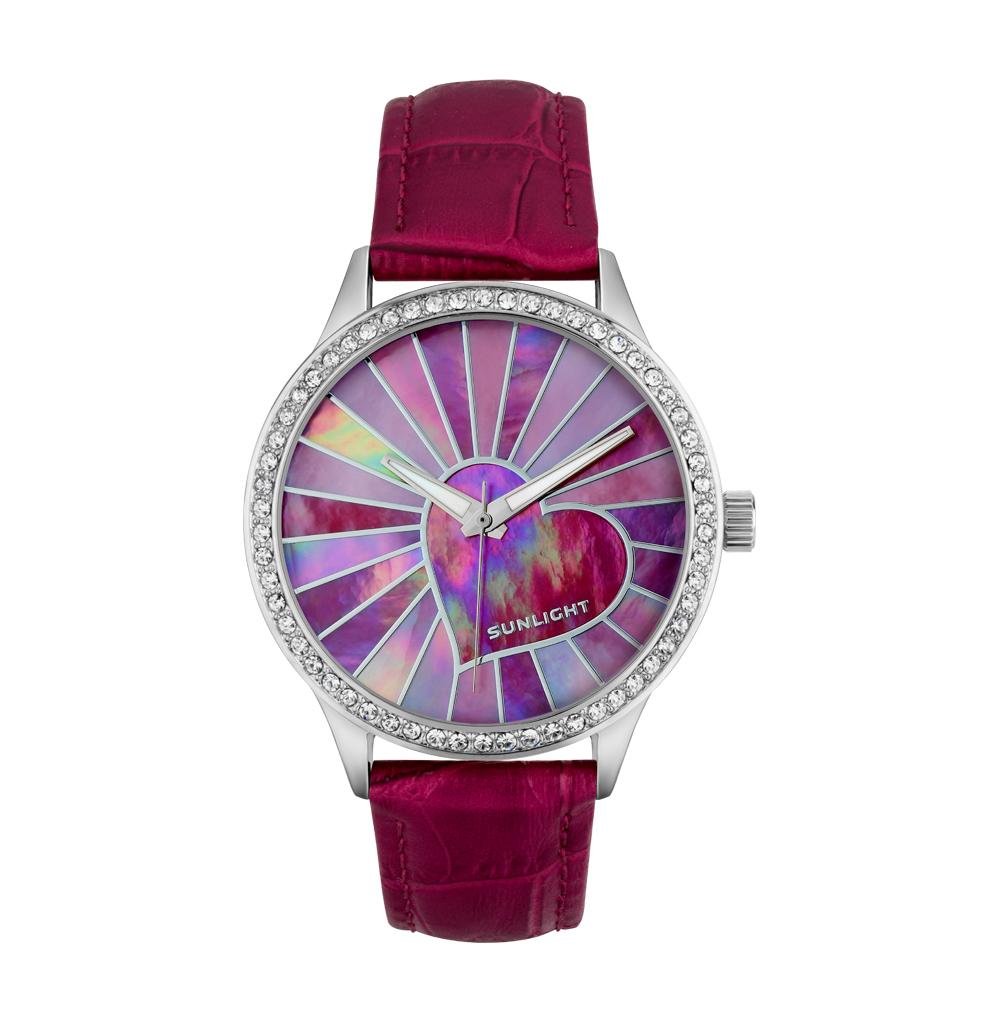 Женские часы с кристаллами и перламутром на кожаном ремне