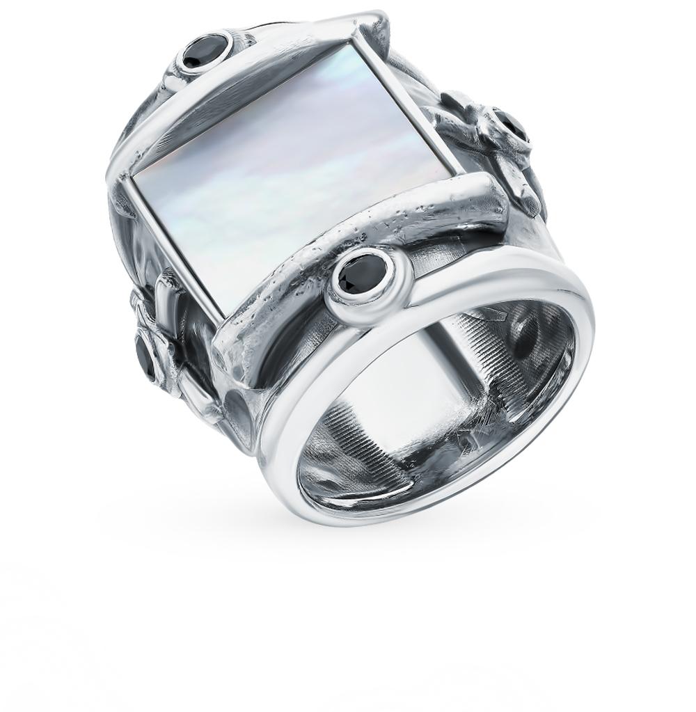 Серебряное кольцо с гранатом и перламутром в Санкт-Петербурге