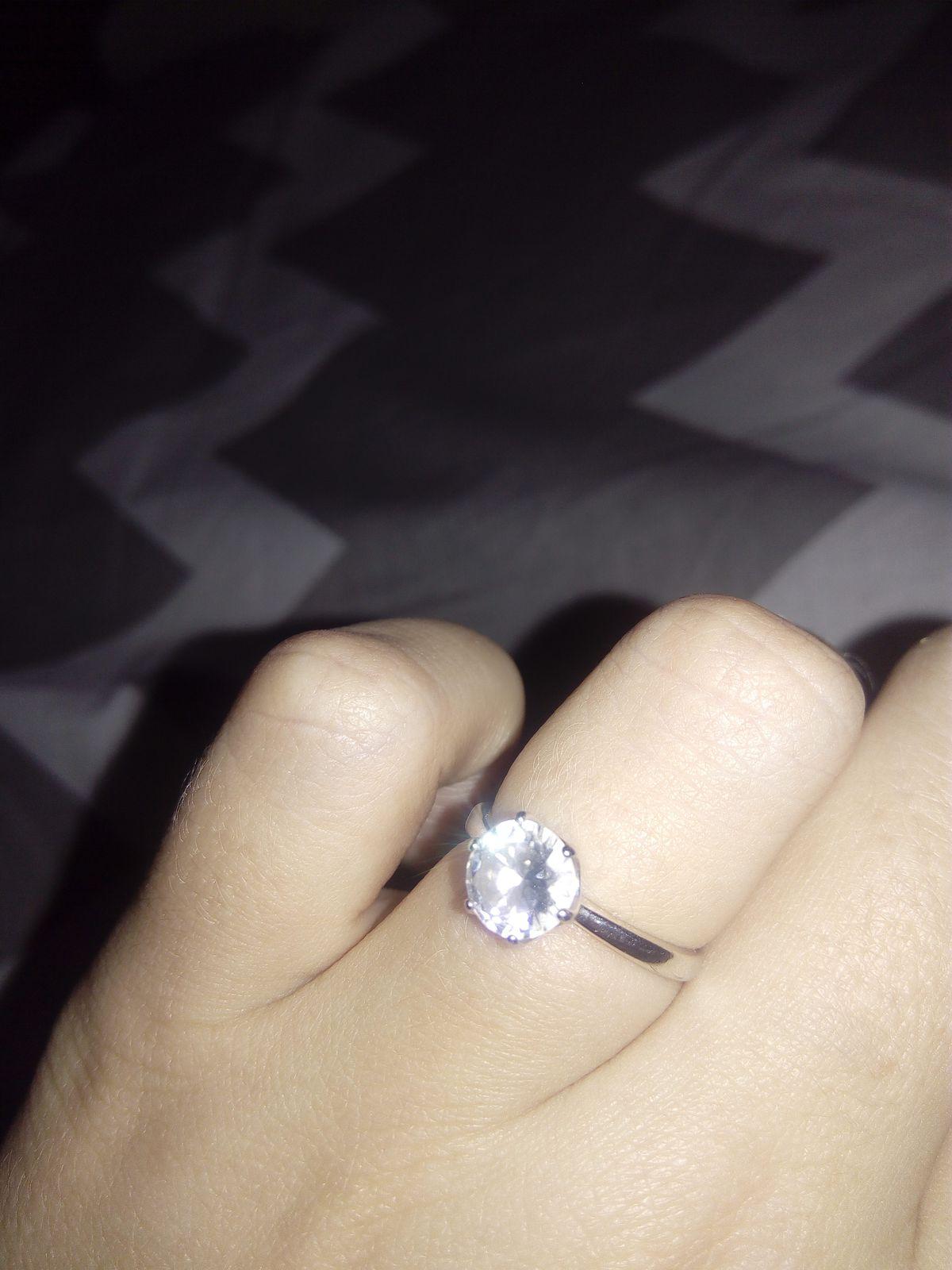 Кольцо очень красивое и утонченное