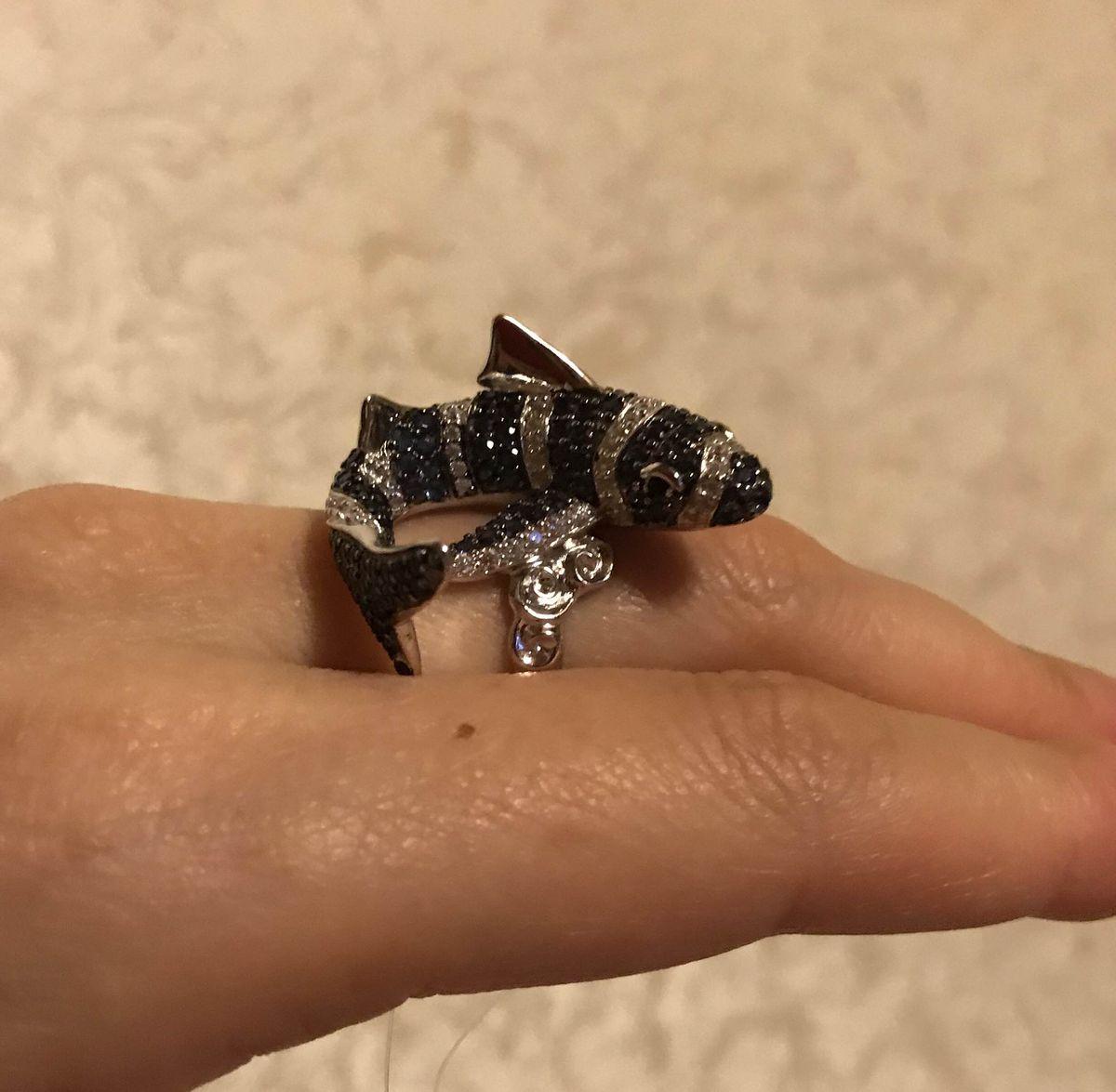 Акулка кольцо для поездок в отпуск на море