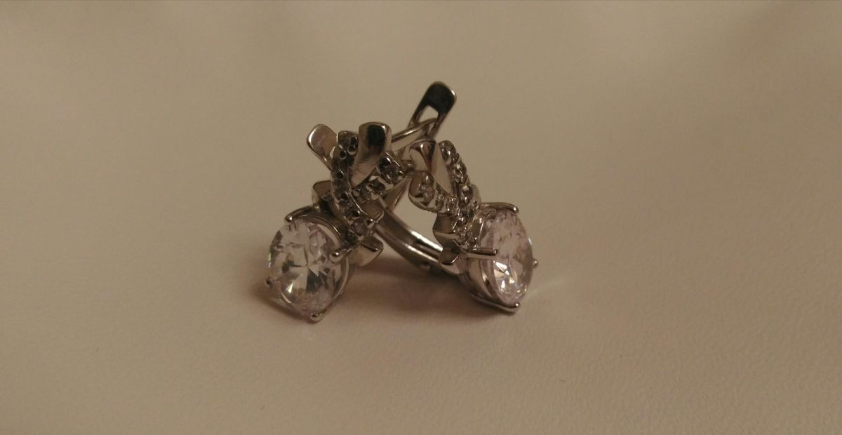 Серебряные серьги с фианитами для звездочки