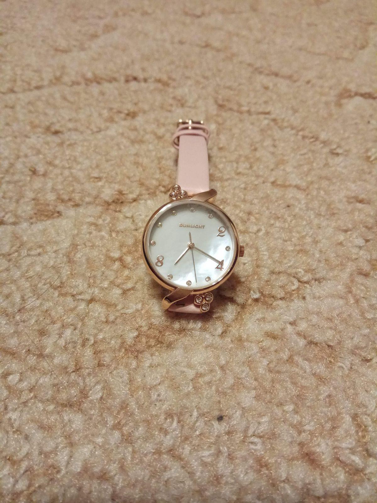 Очень красивые и нежные часы