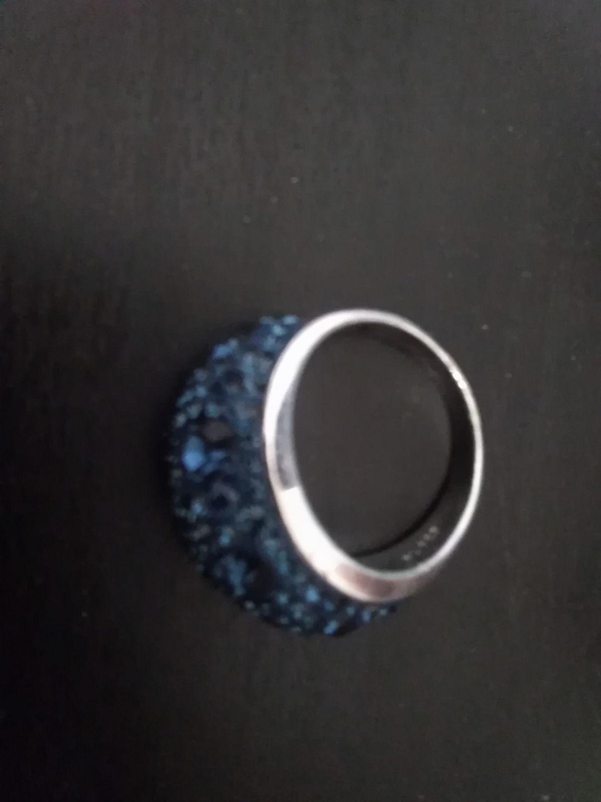 Идеальное кольцо, подходит на все мероприятия.
