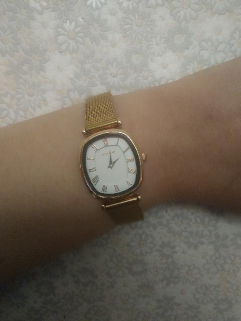 Часы на британском браслете