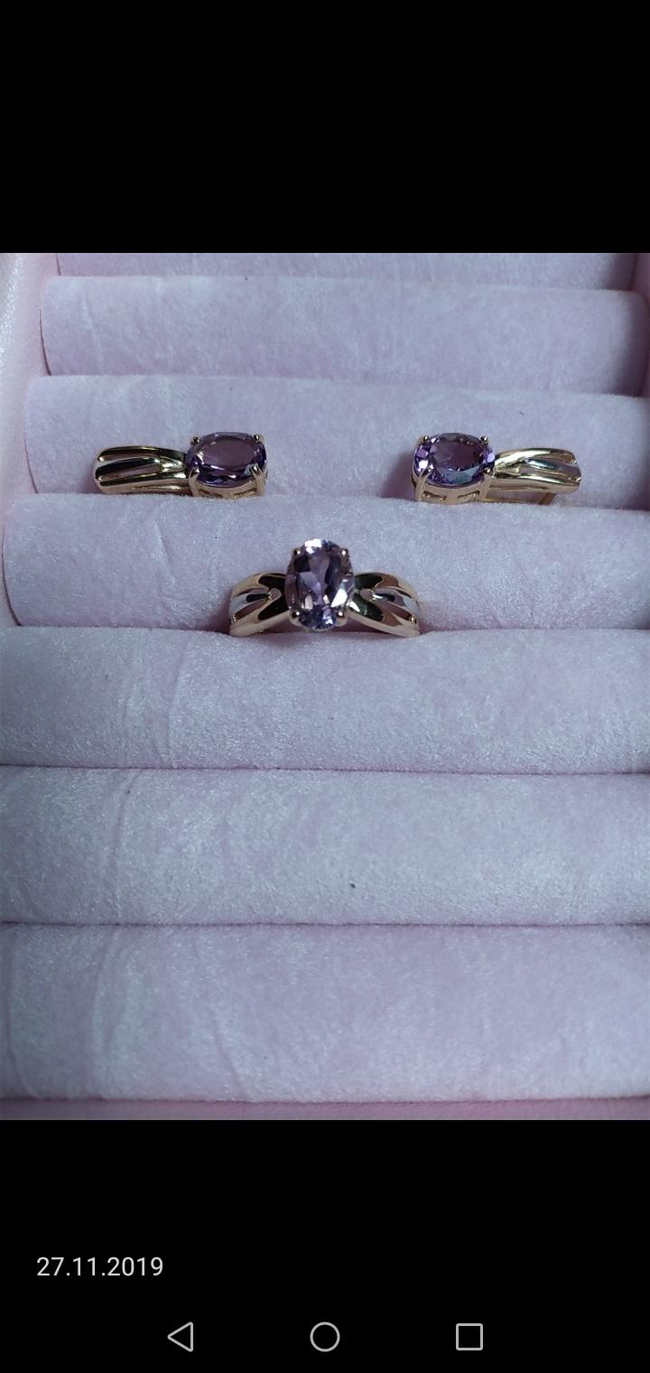 Кольцо с аметистом в комплект к серьгам.