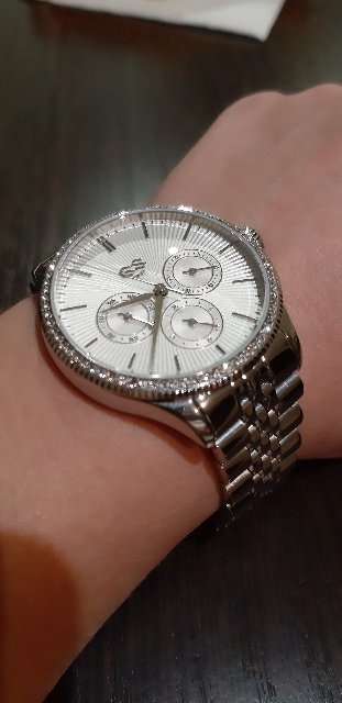 Красивые часы) Цена супер.