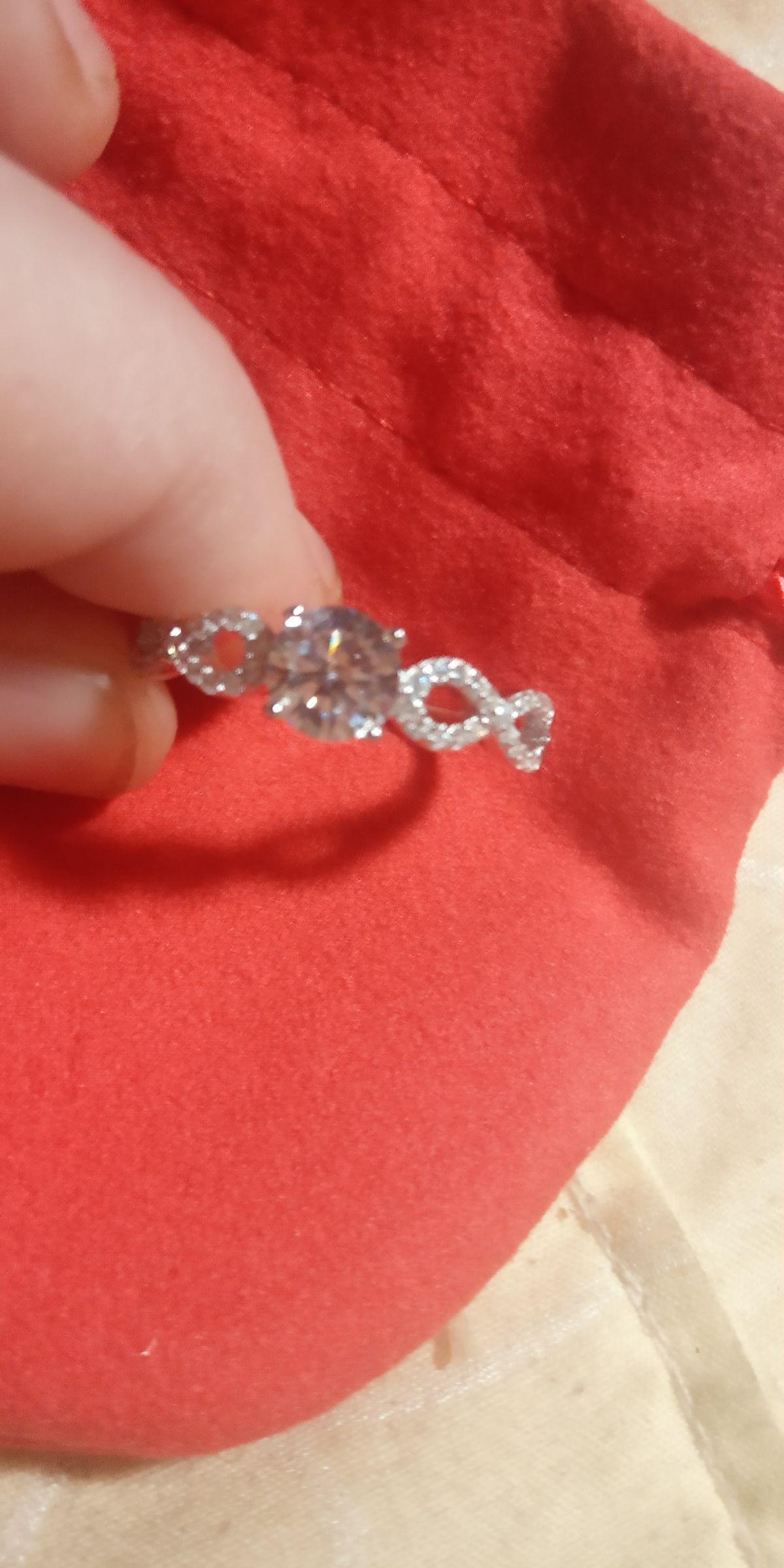 Очеравательнное кольцо