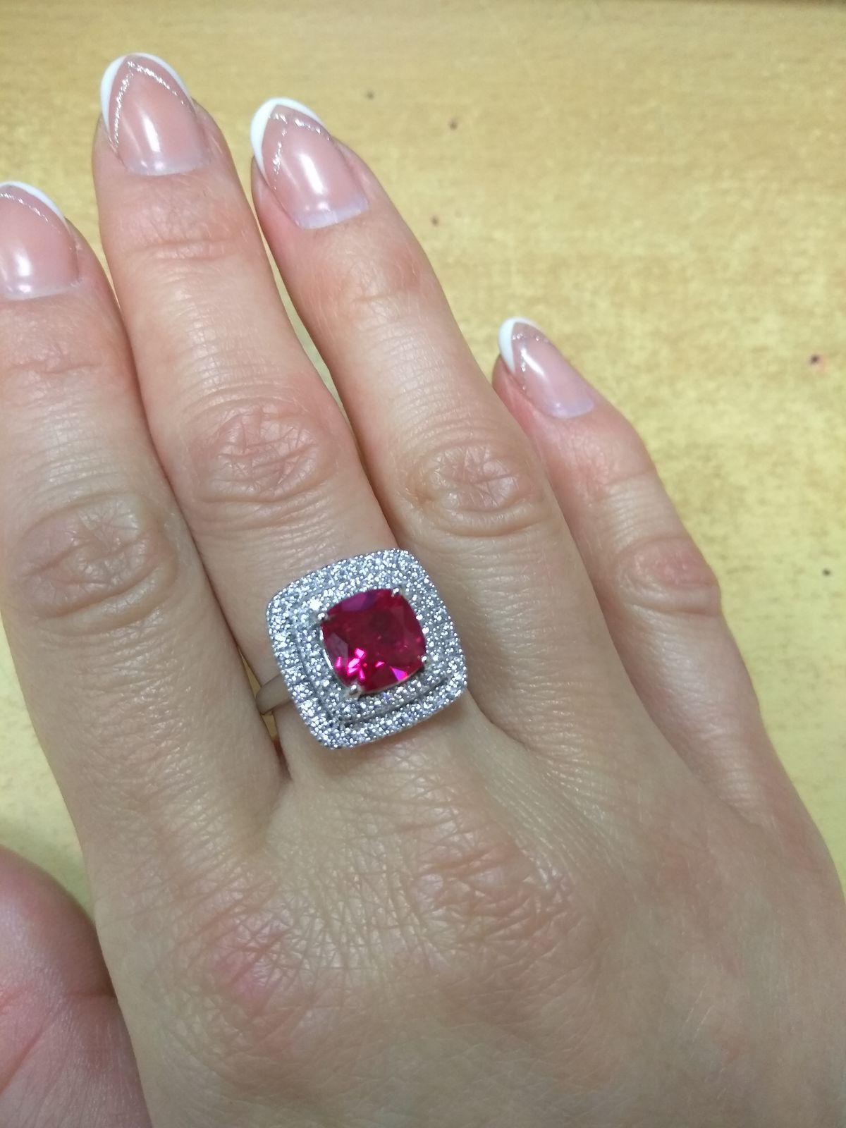 Стильное, яркое кольцо