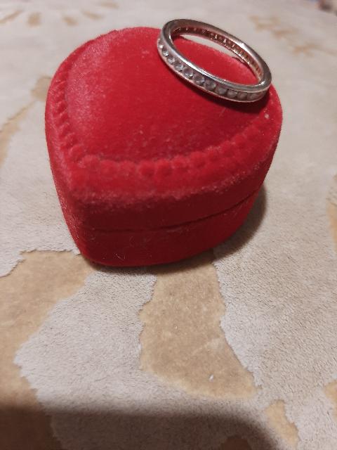 Шикарное серебряное  кольцо с фианитами