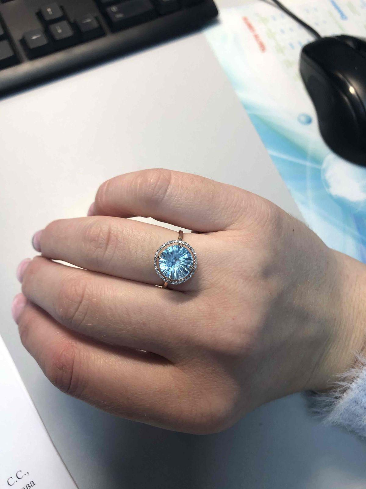 Нереальной красоты кольцо