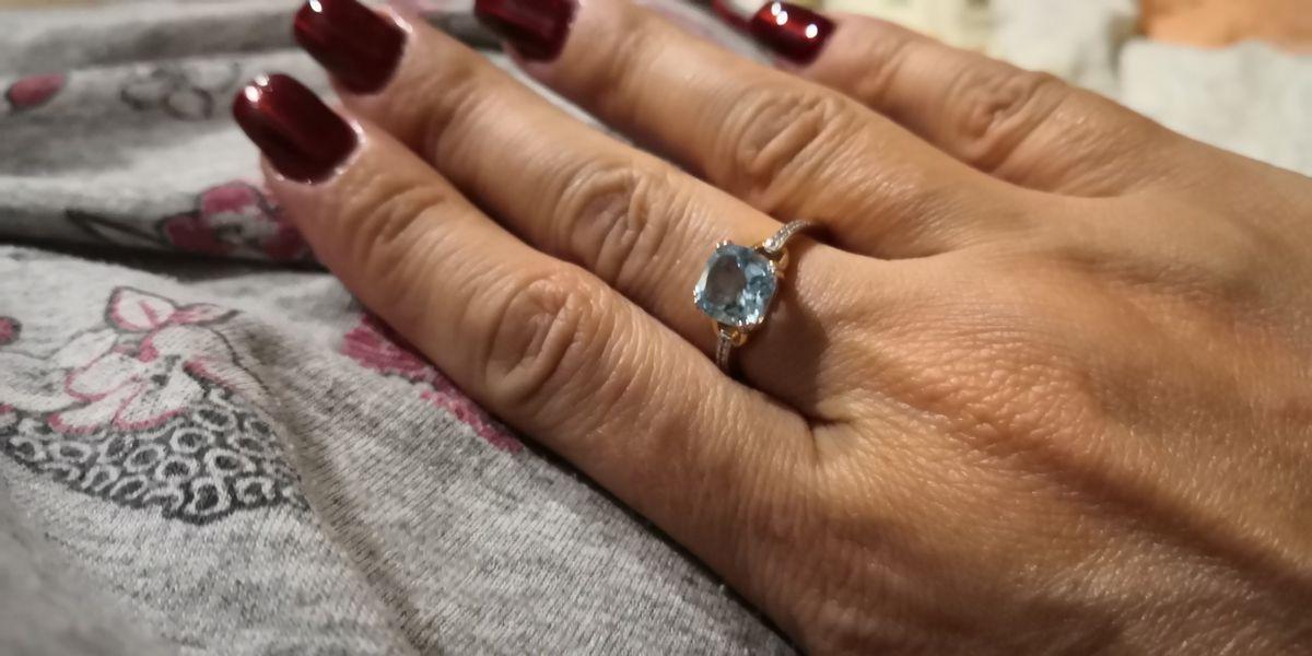 Кольцо золото с топазами и бриллиантами
