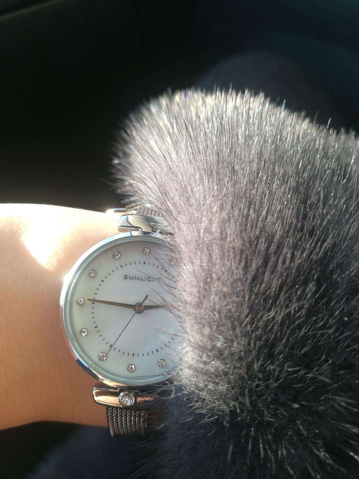 Часы очень изящные