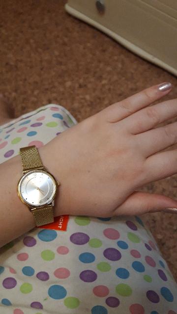 Красивые часы, аккуратные, не громоздкие