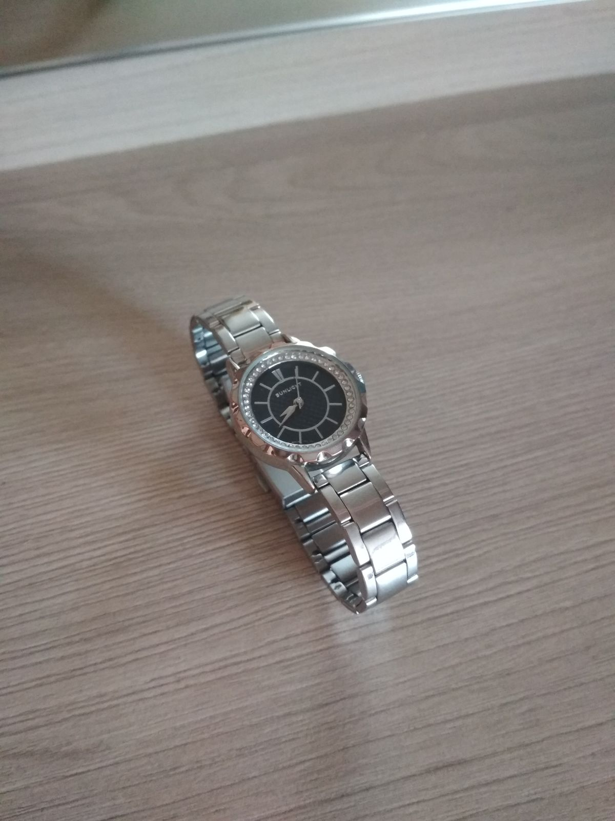 Отличные часы по доступной цене!