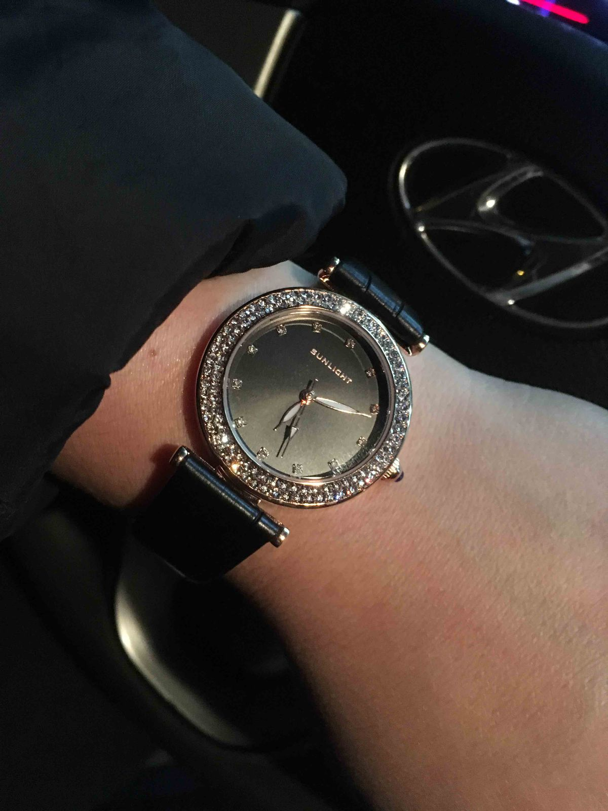 Часы отличное украшение