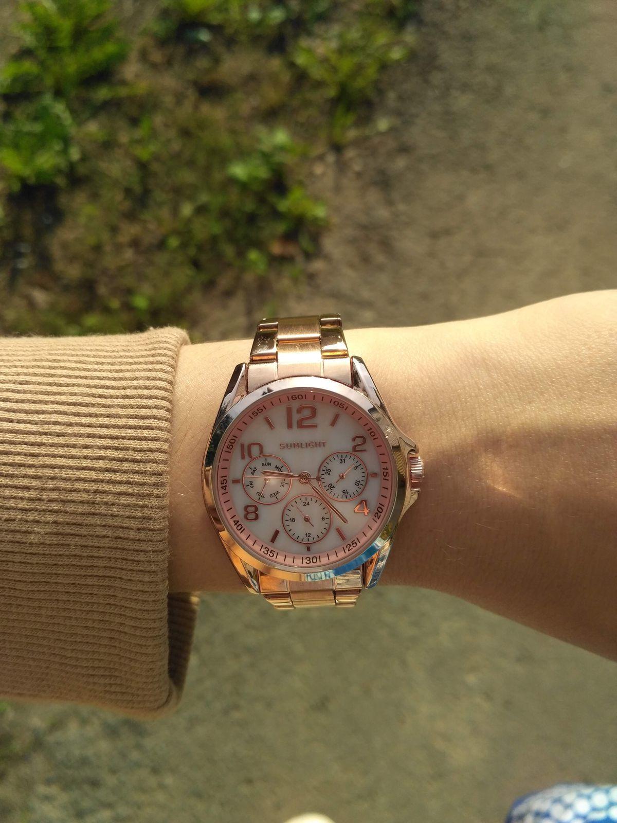 Красивые часы для прекрасного пола.