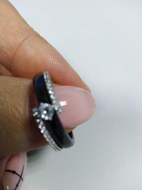 Керамическое кольцо с феанитами