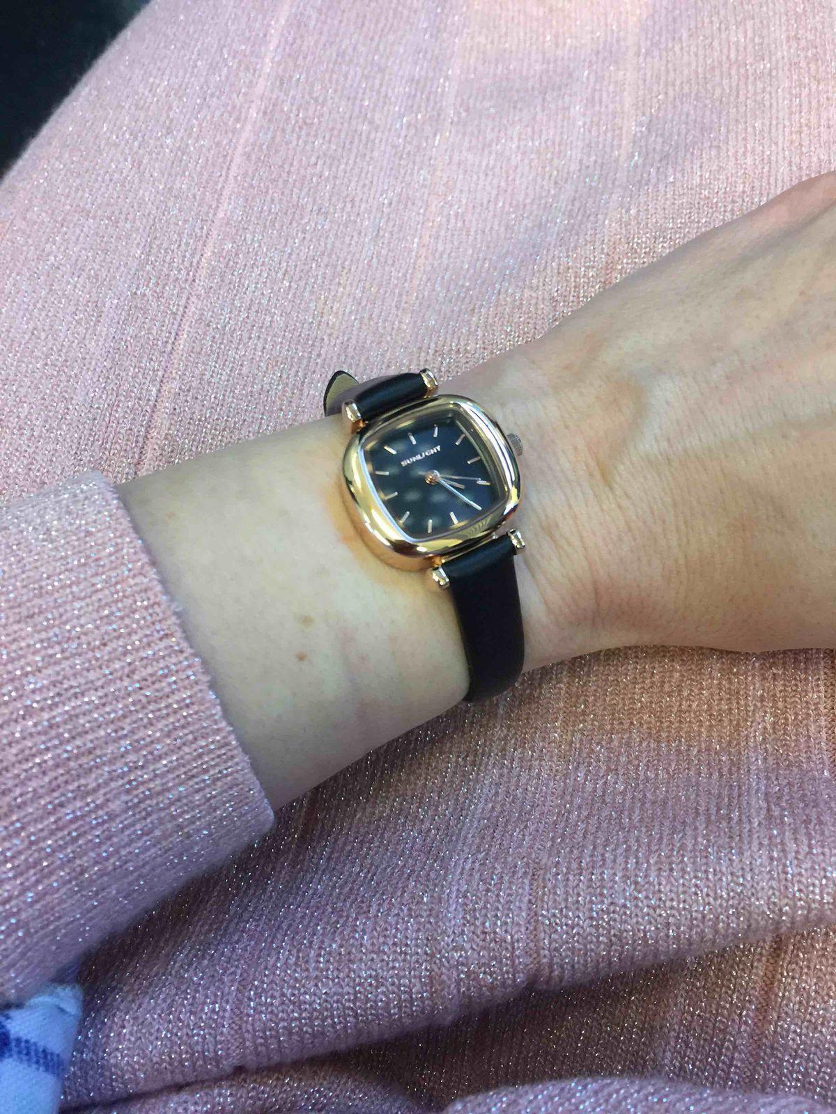 Часы 2x2 см