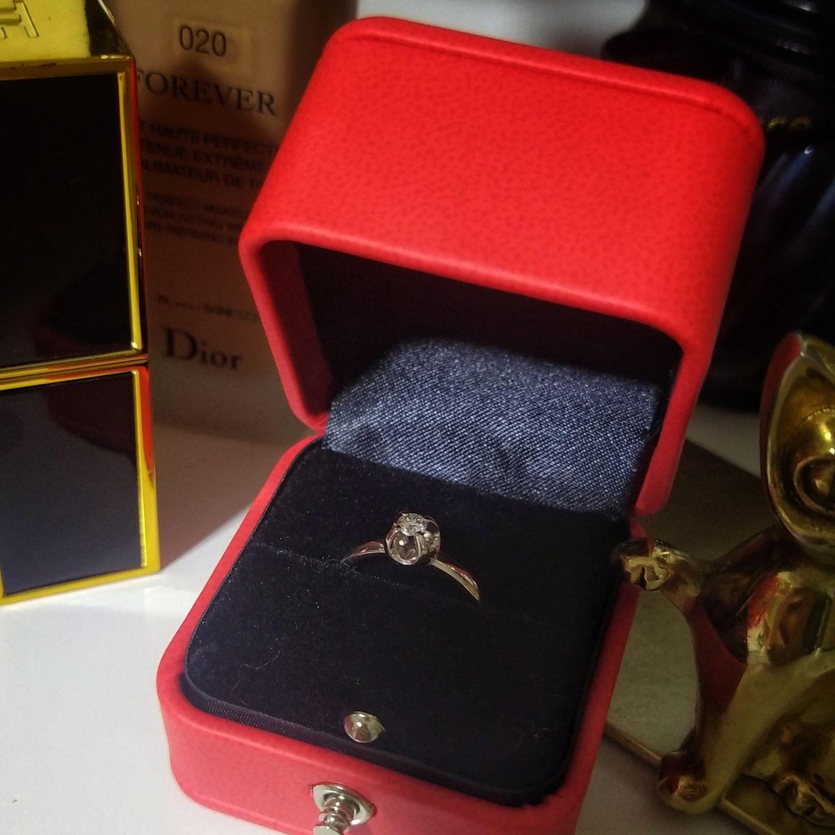 Неплохое кольцо, красивый камень