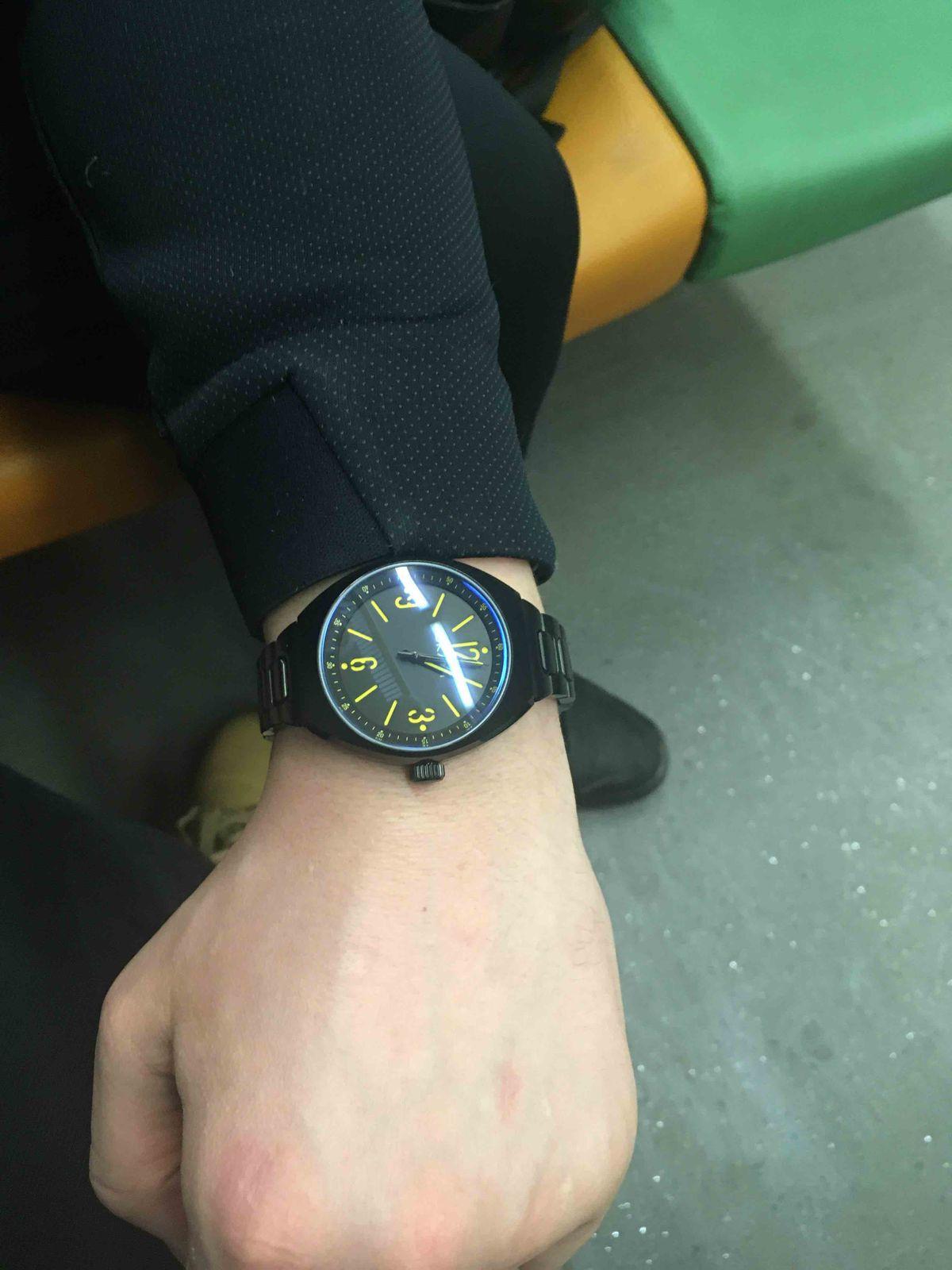 Стильные и хорошие часы!
