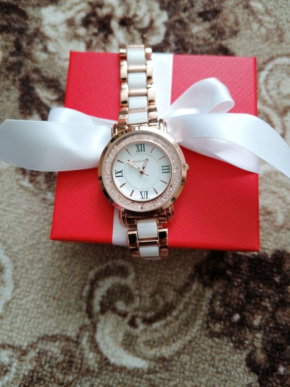 Часы керамические, очень удобные и стильные