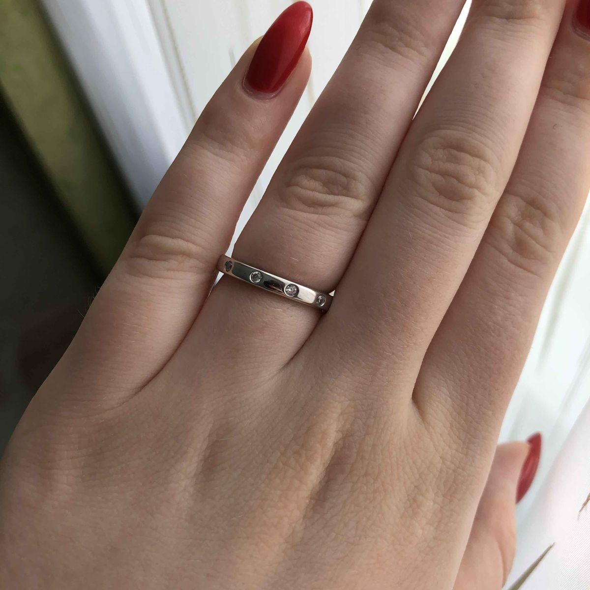 Кольцо очень красивое, маме понравилось