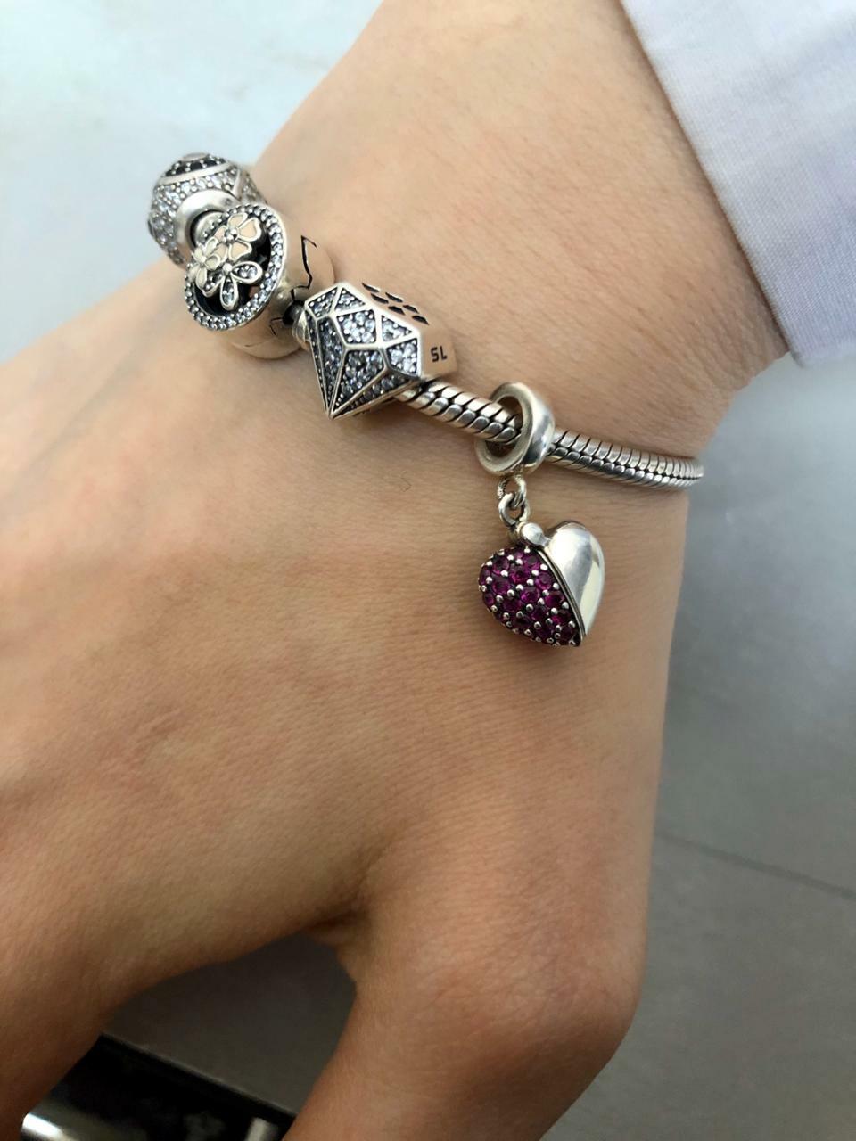 Серебряная подвеска в виде бриллианта