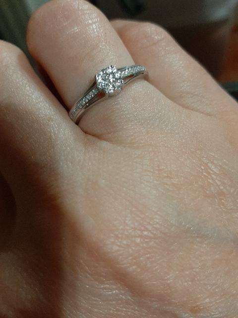 Очень нежное, красивое кольцо!