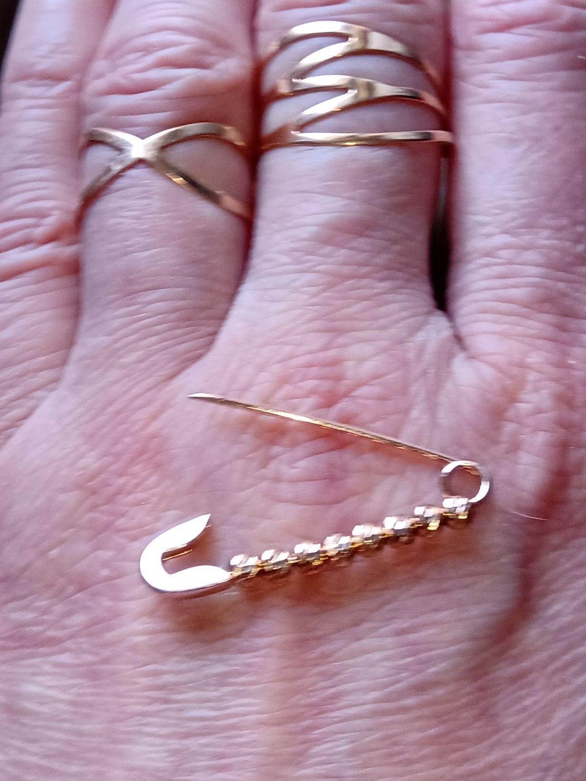Подарок супруга на 8 марта.