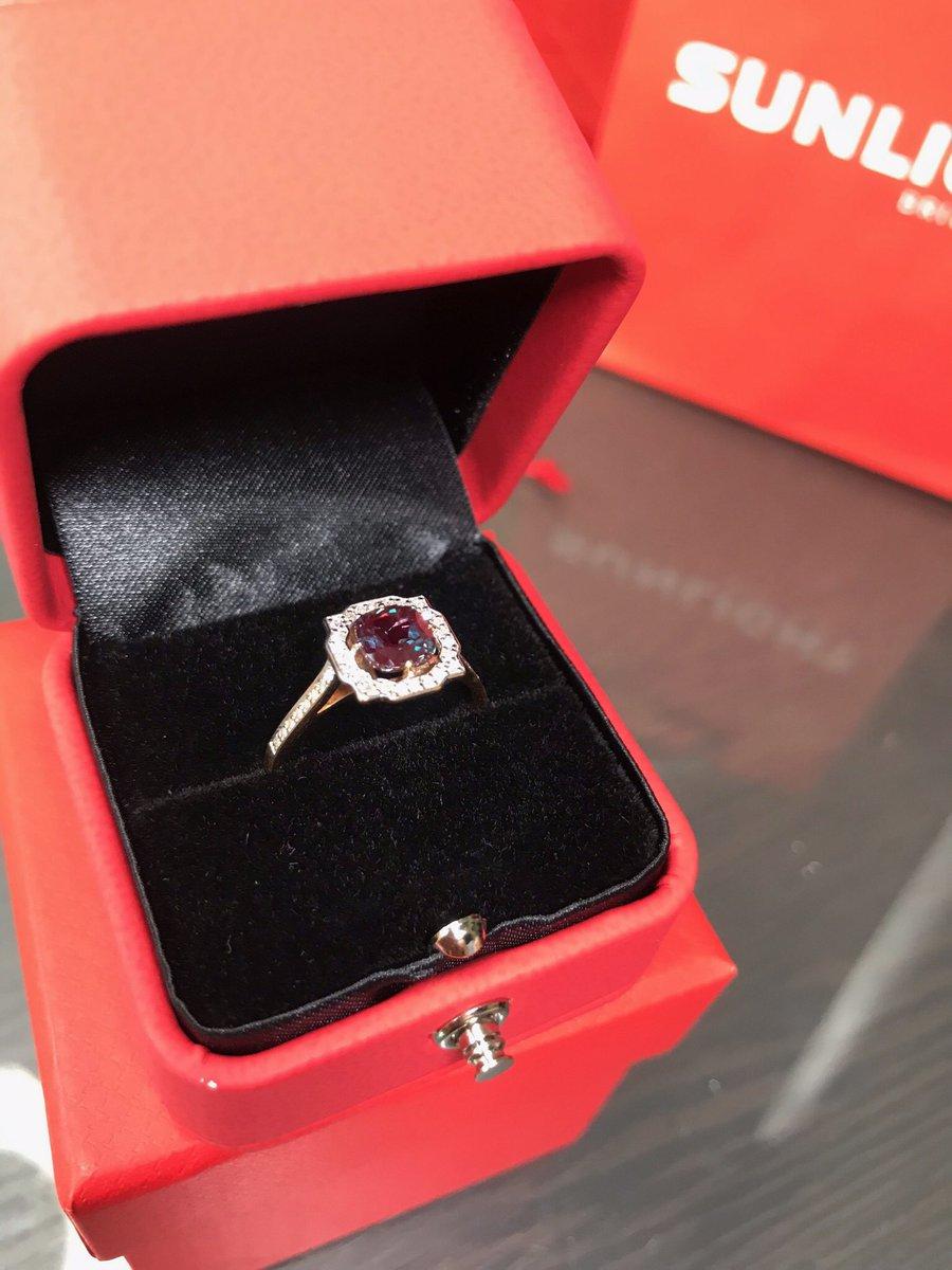 Кольцо с бриллиантами и александритом