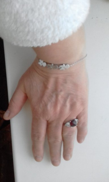 Чудесный серебряный браслет
