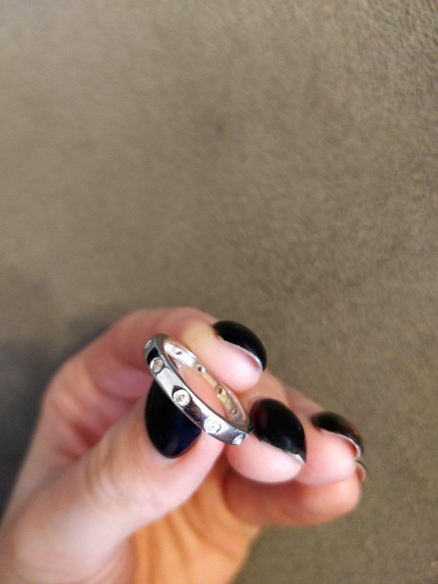 Серебряное кольцо с камешками
