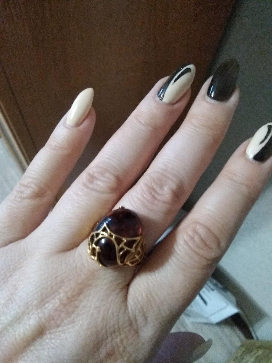 Кольцо с серьгами с янтарем