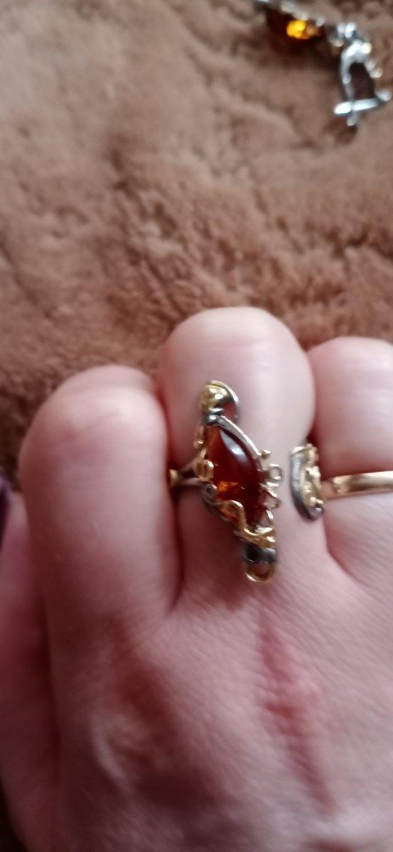 Серебряное винтажное кольцо с янтарем