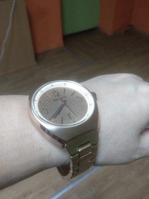Часы унисекс,но тяжёлые.Браслет буду уменьшать.НЕТ инструкции по пользовани
