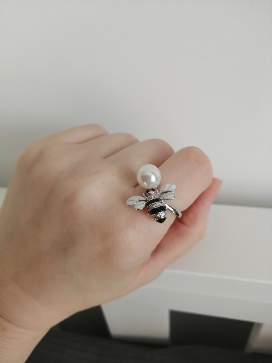 Кольцо необычное, красивое