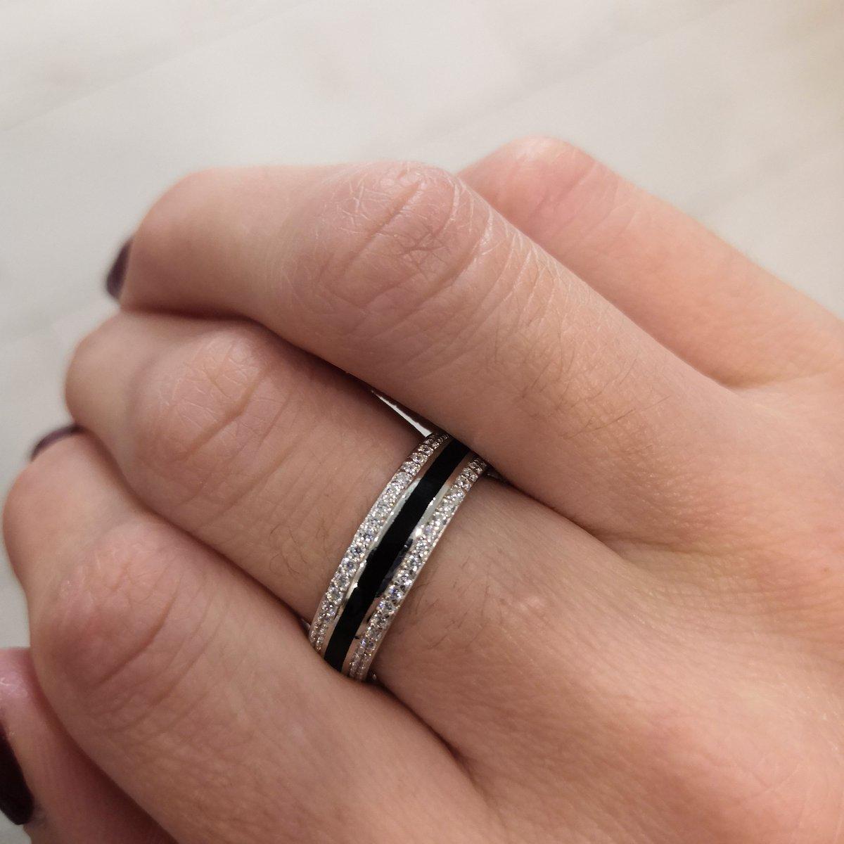 Кольцо с чёрной керамикой 🖤