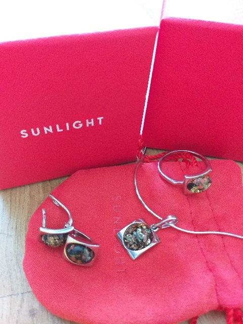 Серебрянные серьги с янтарем