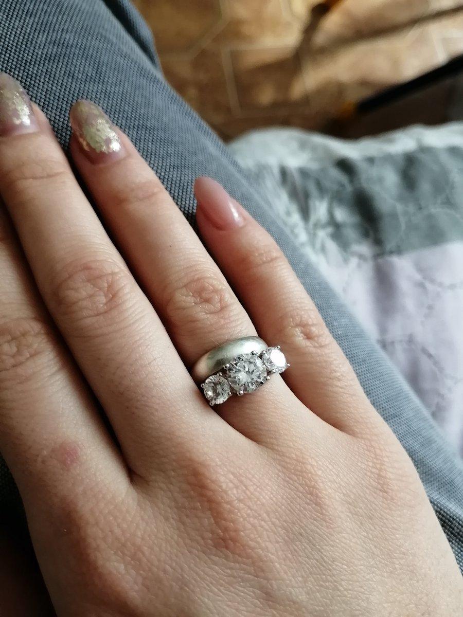 Нежное и красивое кольцо