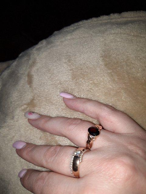 Кольцо супер!моей жене подарок мой понравился.она в восторге.👍