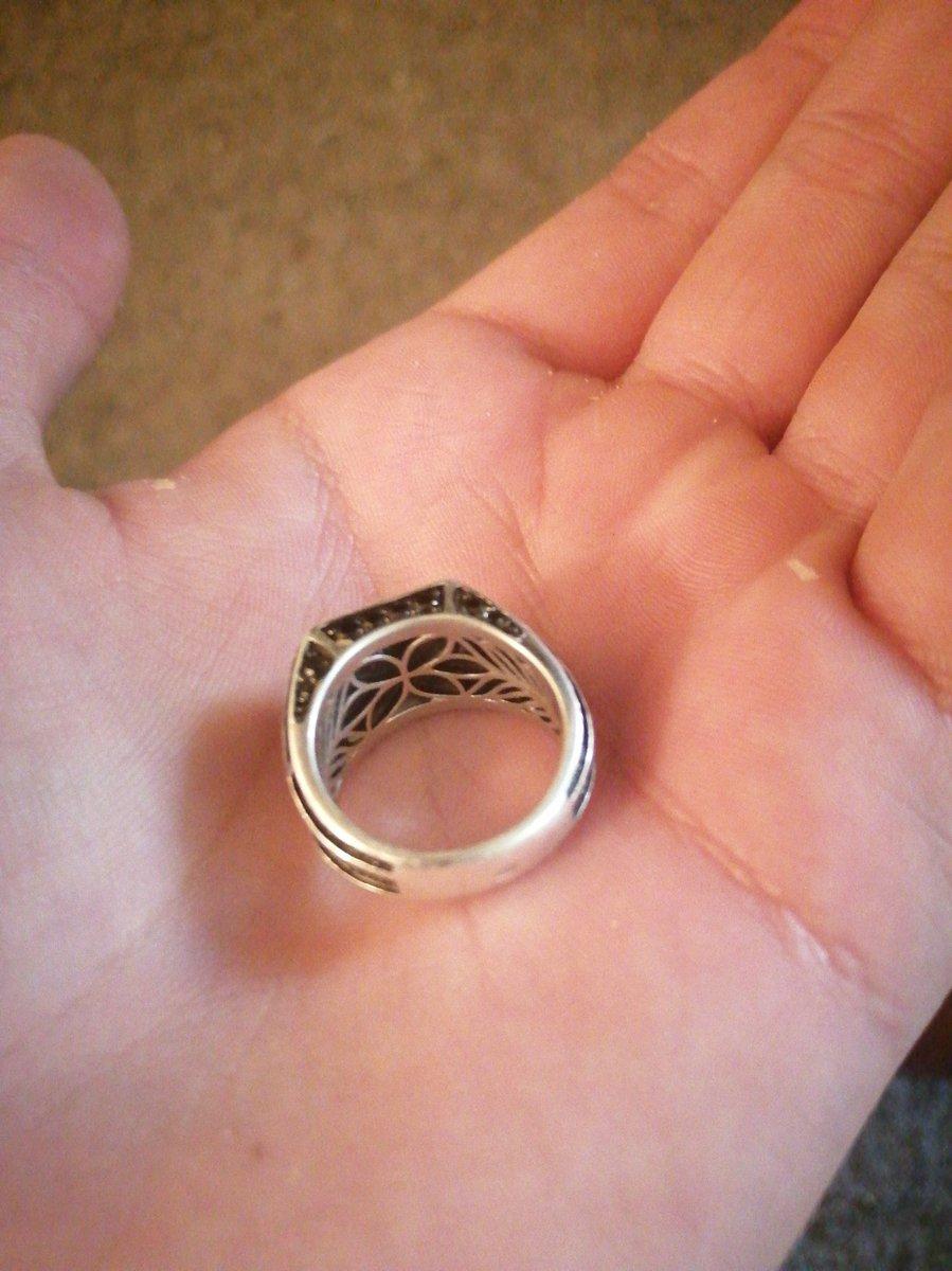 Класс, перстень отличный!