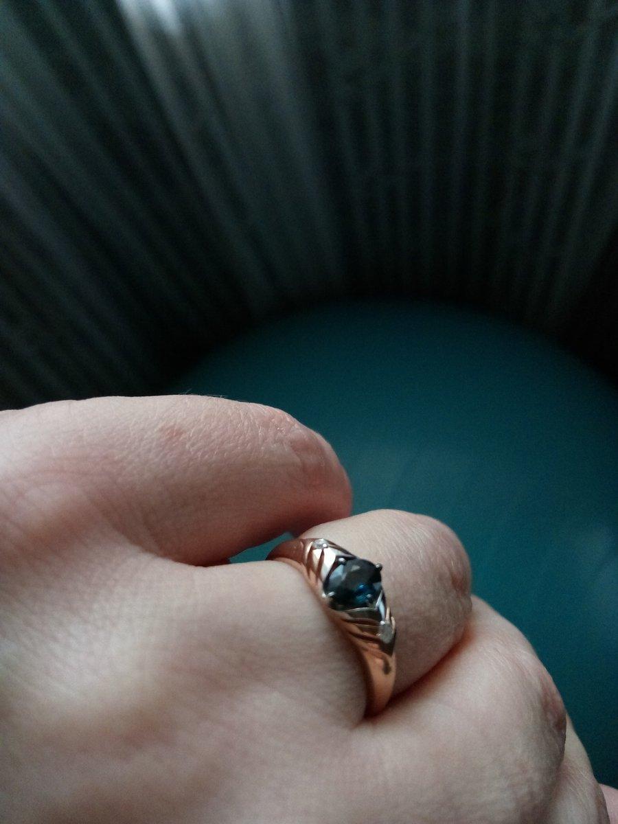 Перстенёк с сапфиром