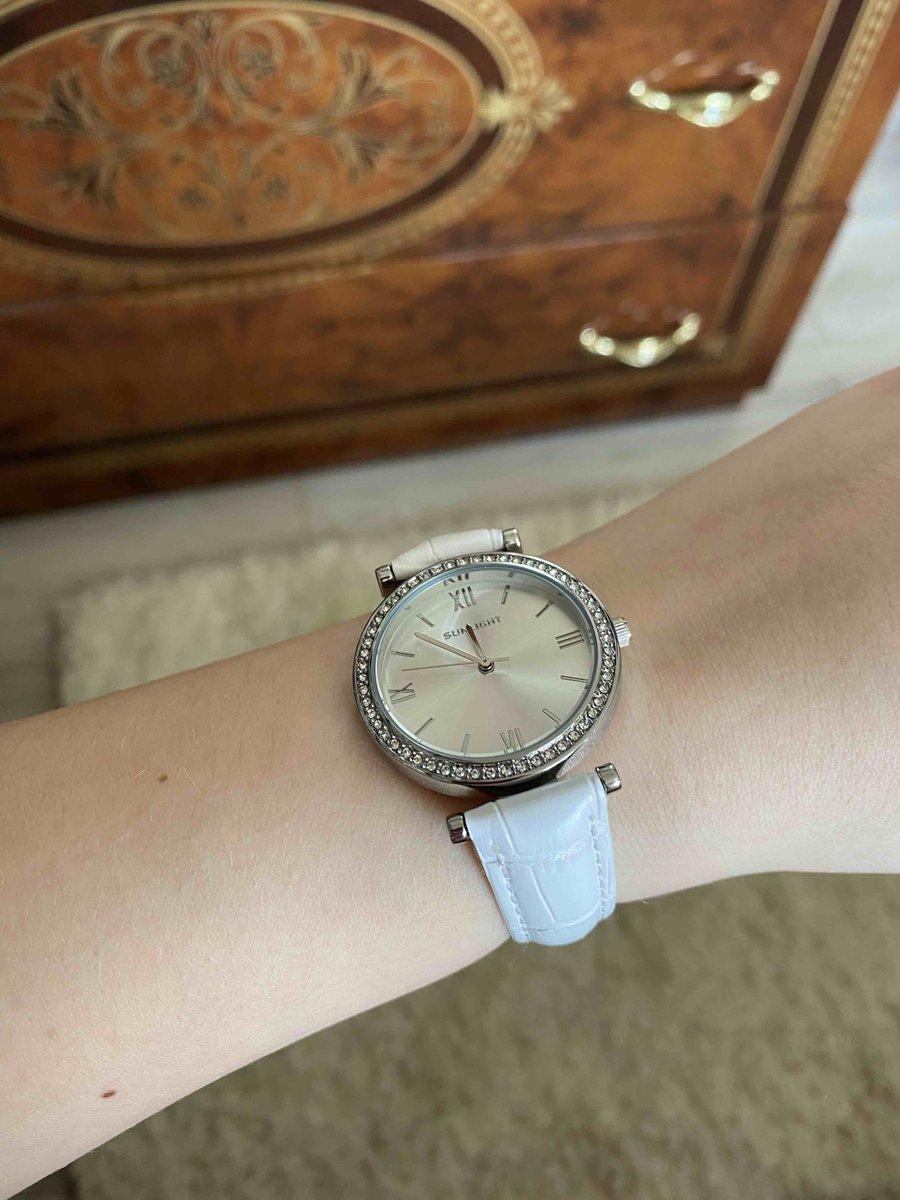 Часы белая классика