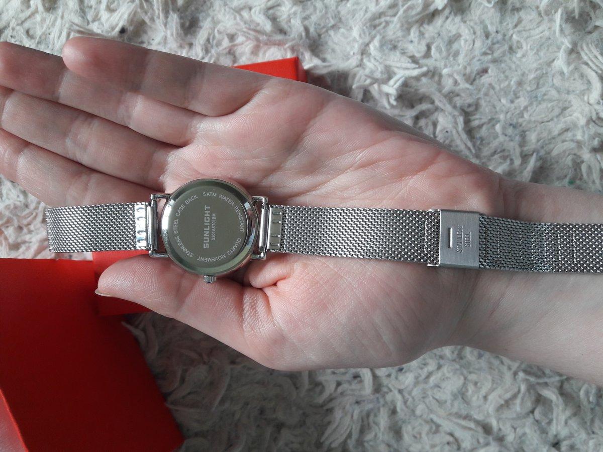Нежные и стильные часы