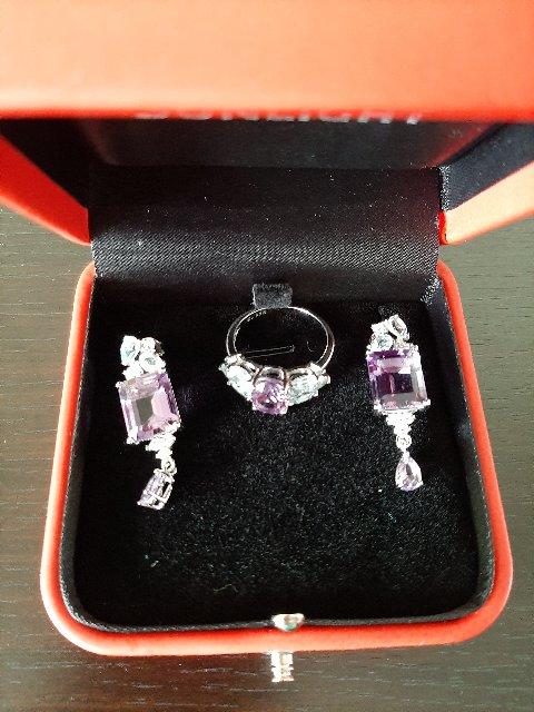 Серебряное кольцо с топазами и аметистом