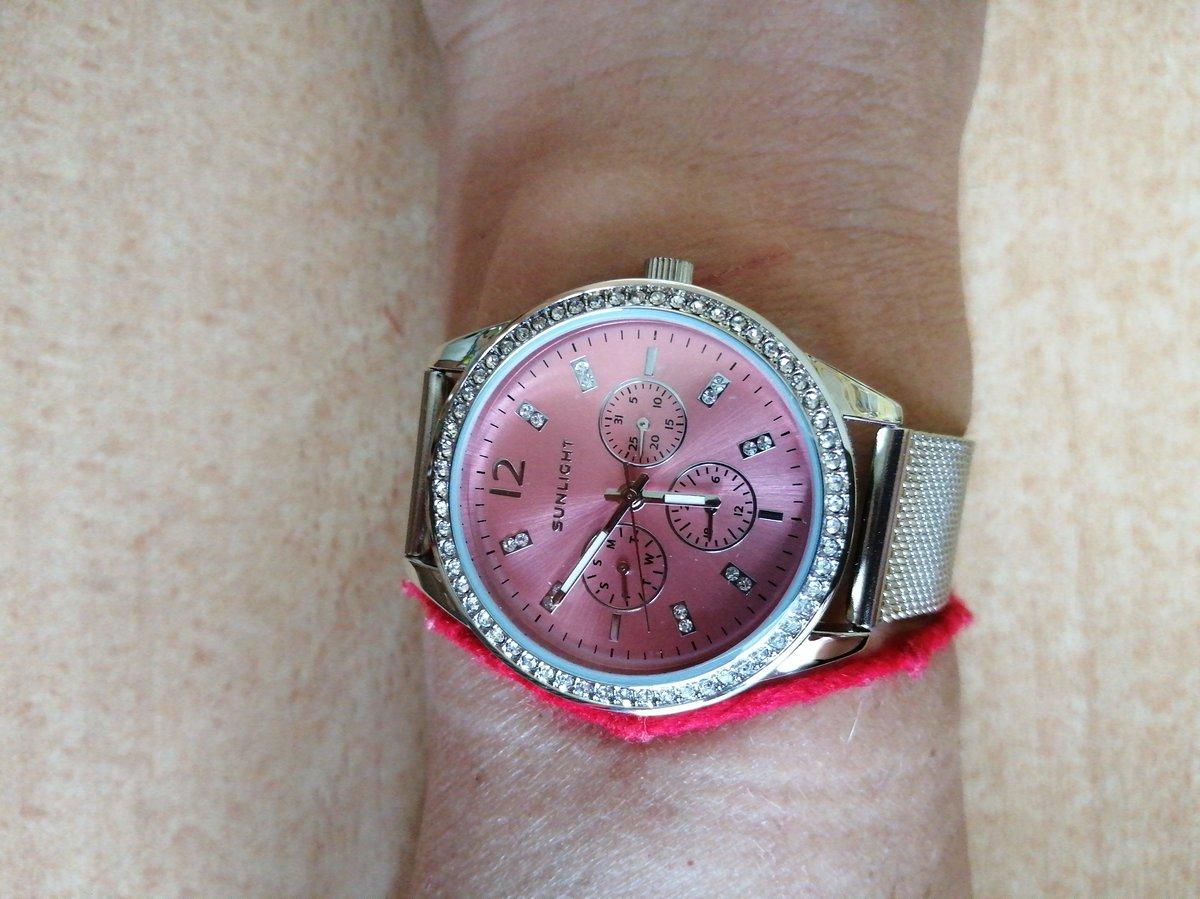 Часы женские очень понравились.