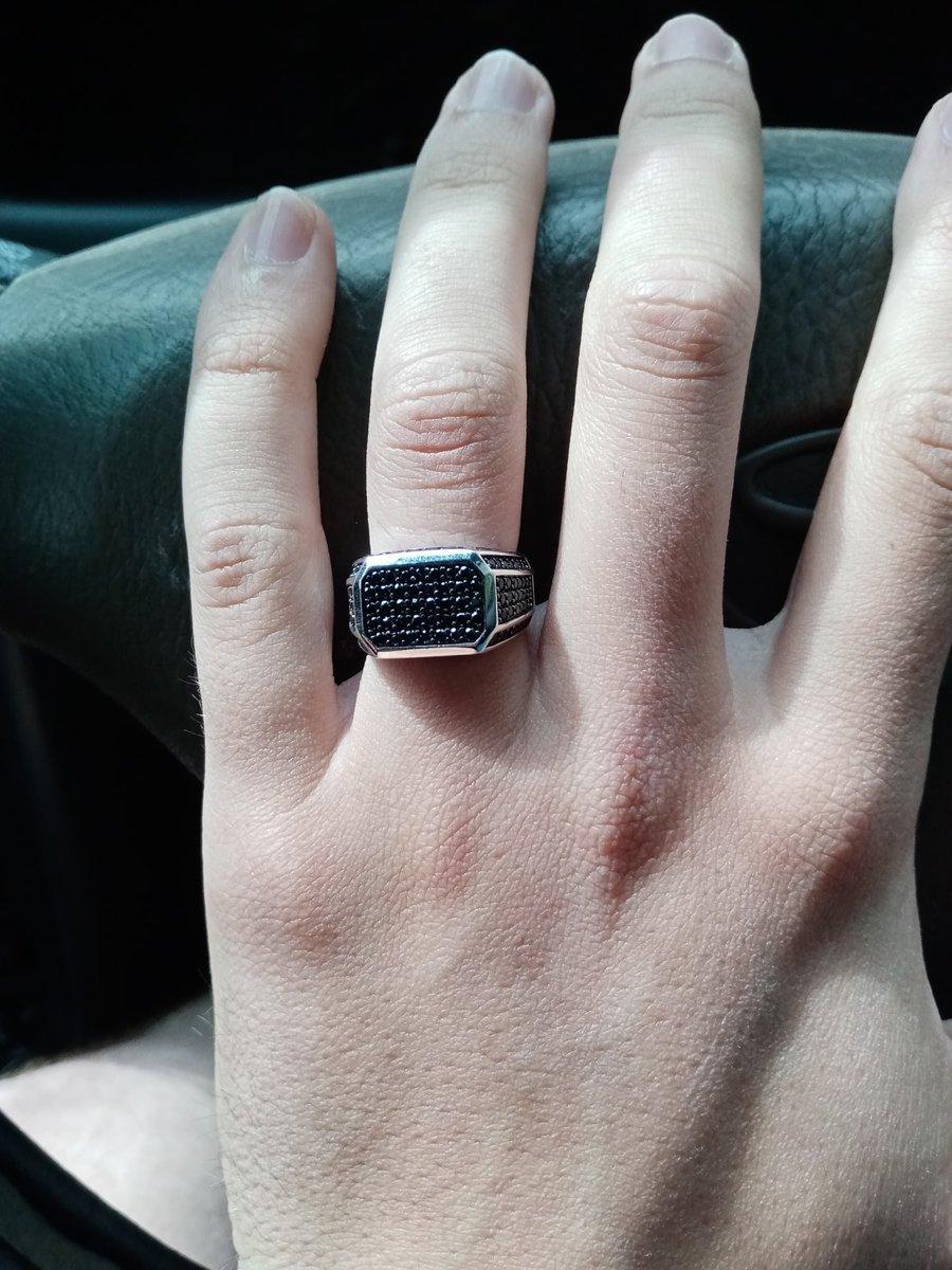 Шикарное кольцо, в реальности ещё красивее смотрится