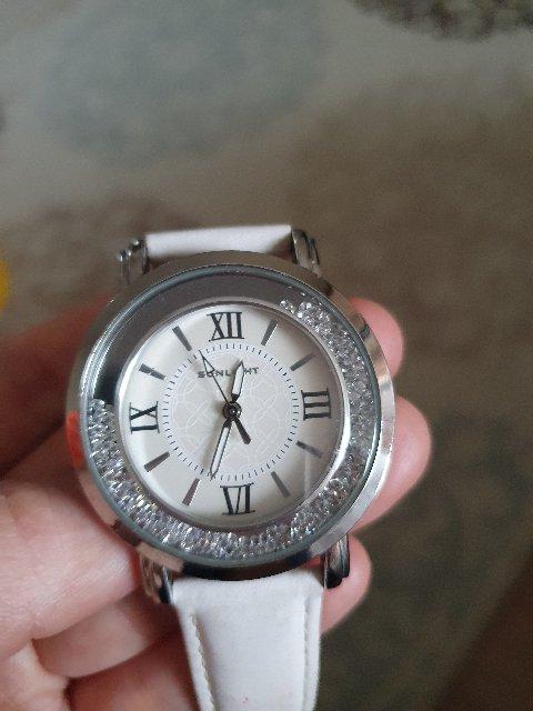 Часы супер , кристаллы сверкают очень красиво