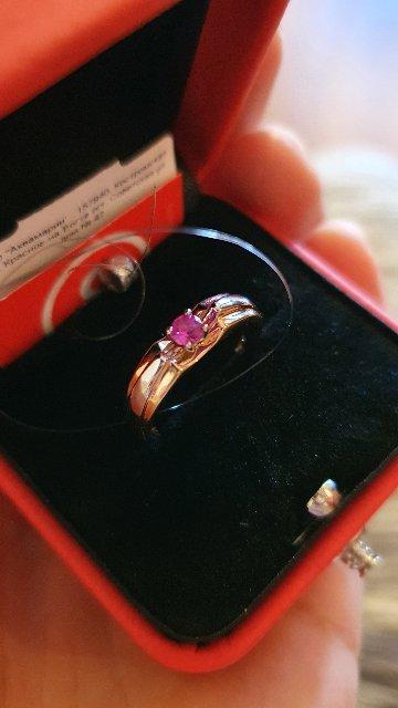 Колечко очень нежное и красивое,  камешек розовый) размер в размер)
