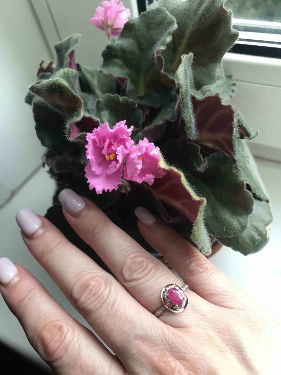 Золотое кольцо с рубином !!!